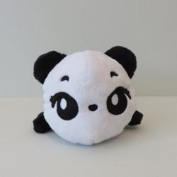 Peluche panda noire et blanche de face